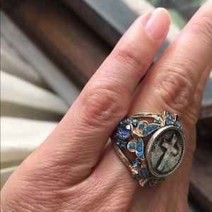 Beautiful oversized ring